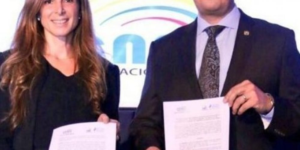 Firmamos Convenio con el Instituto de la Democracia de Ecuador