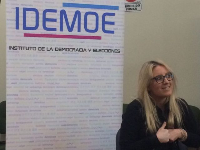"""Mesa de Dialogo """"Mujeres, Democracia y Derecho"""""""